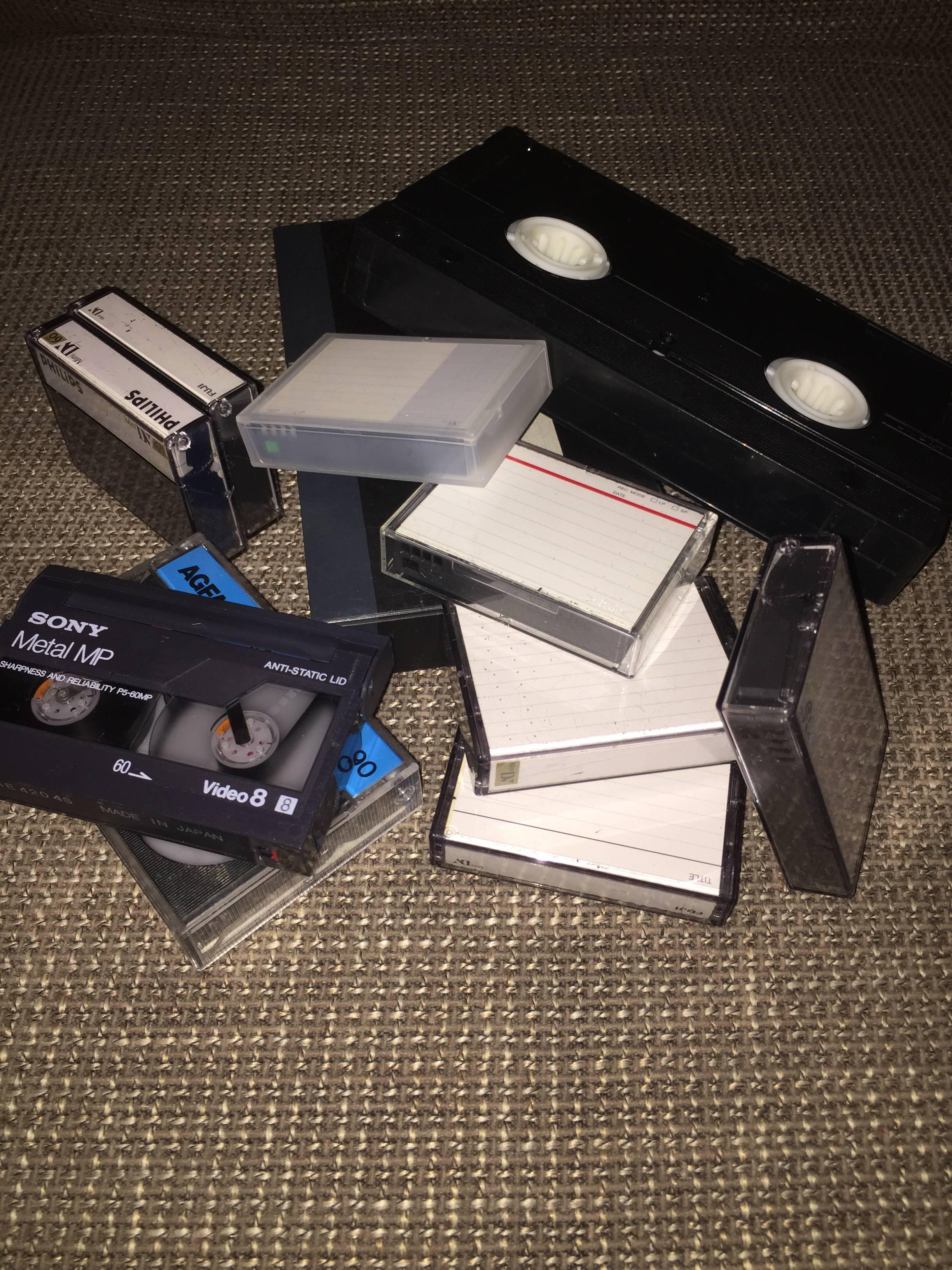 Nieuw in onze service, omzetten videobanden en tapes naar DVD, USB of harde schijf!